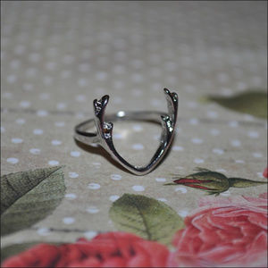 Dainty Antlers Ring - silver